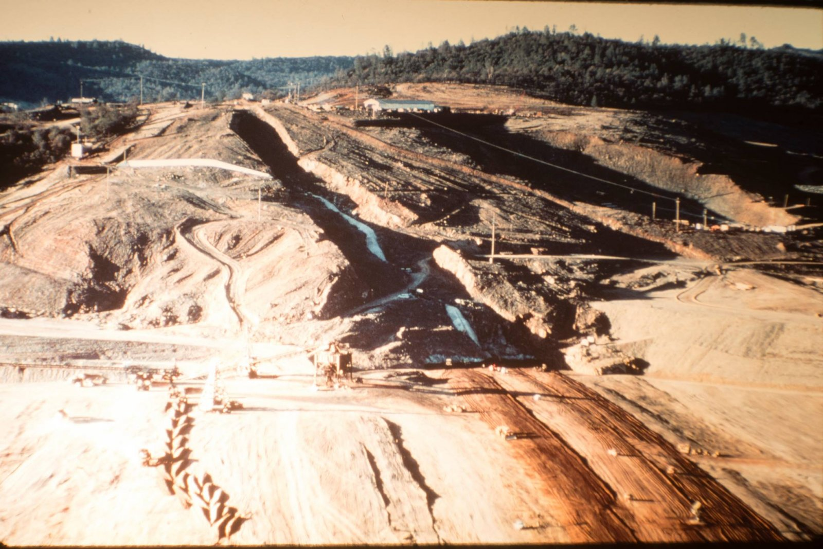 Construction-Spillway-1965_Cut-to-Bedrock.jpg