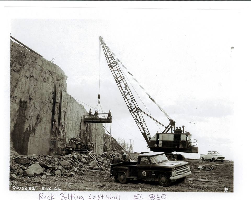 Construction-Spillwaywall-1965.jpg