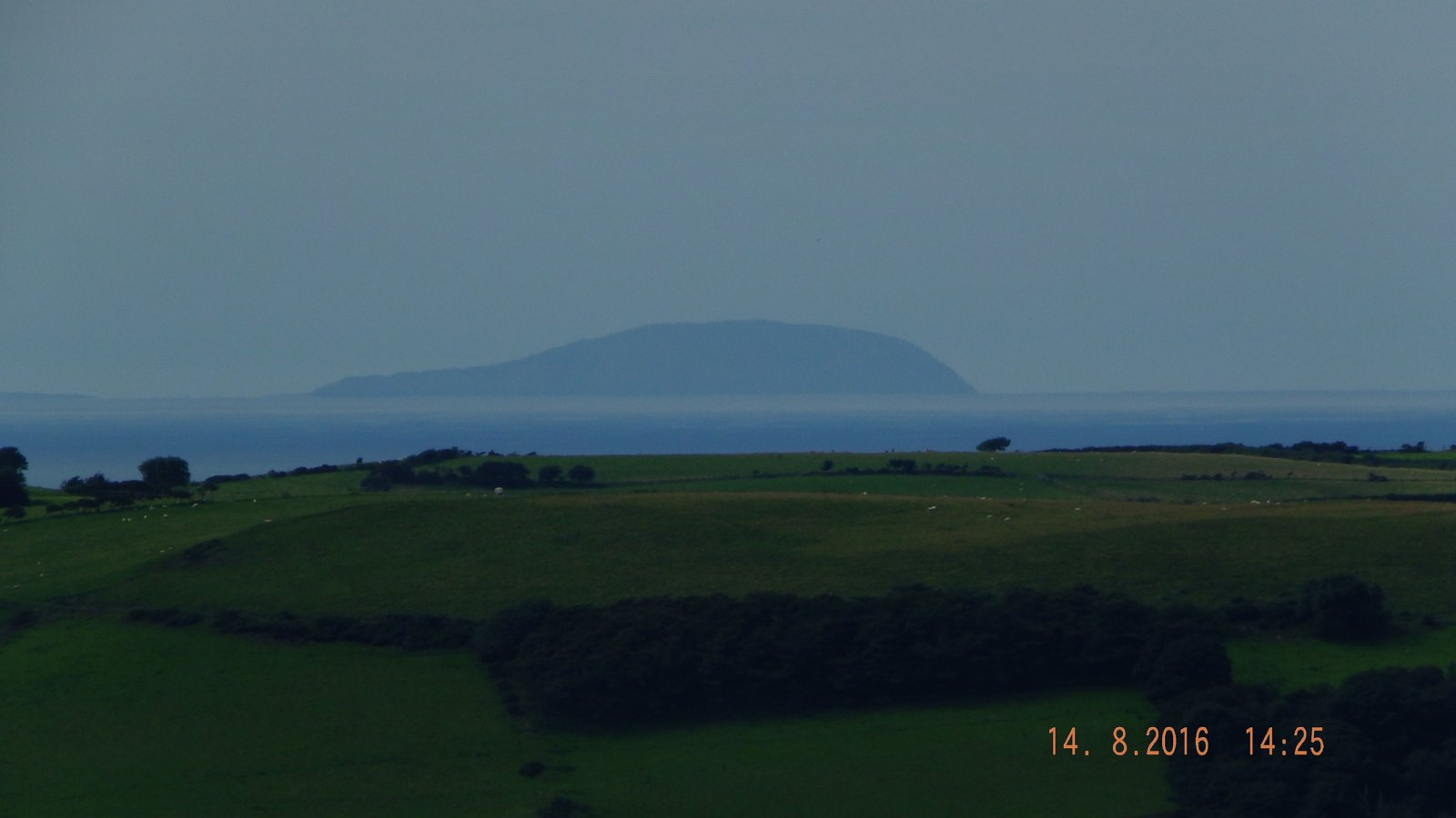 DSCF2792 bardsey from banc-y-darren ridge.