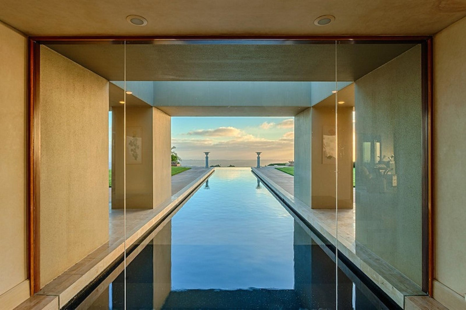 eye level infinity pool.jpg