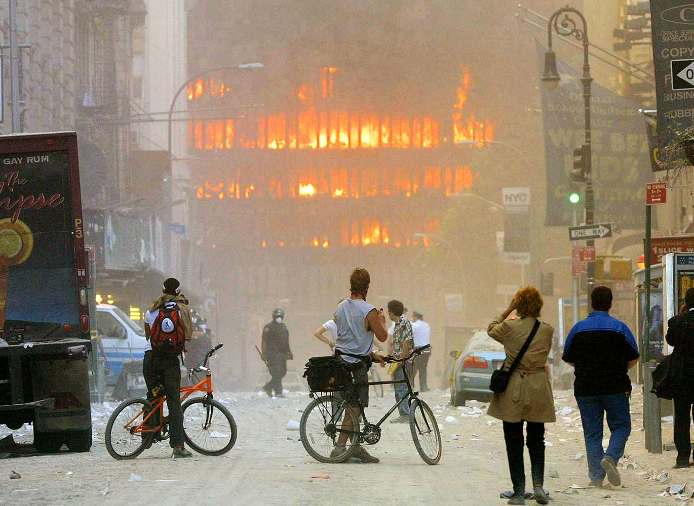 famous-images-from-september-11-terrorist-attacks-03.jpg