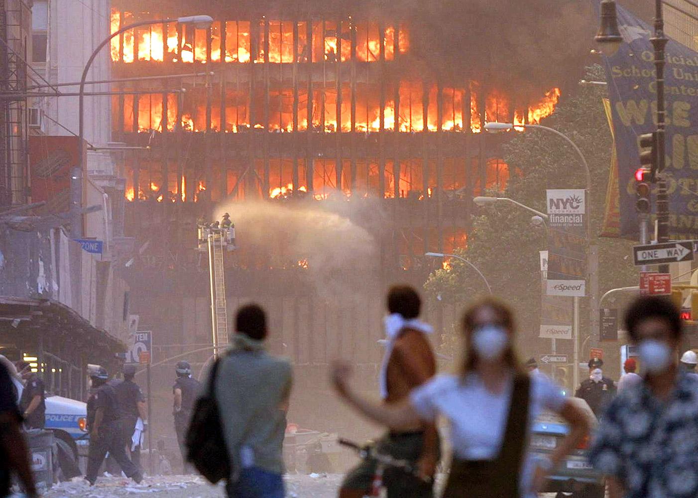 famous-images-from-september-11-terrorist-attacks-04.jpg