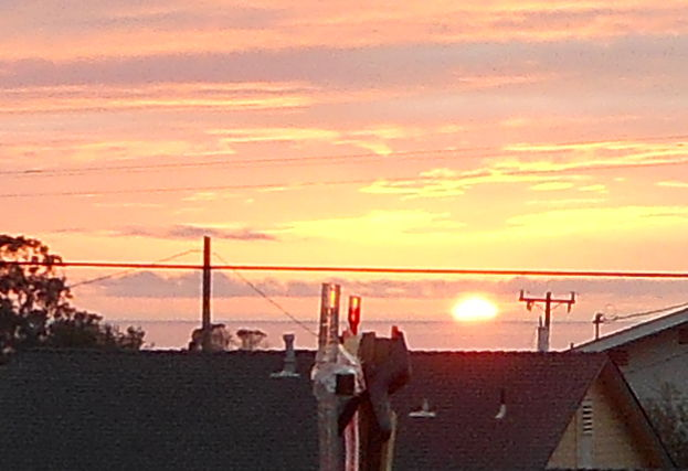 SunsetAndWaterLevelDSCN0995.