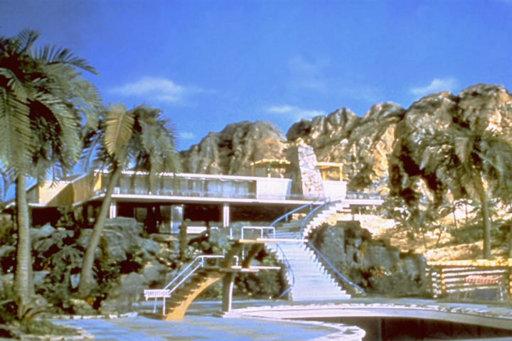 thunderbirds-tracy-villa-mid-century-design.jpg