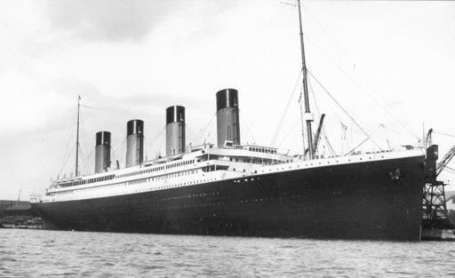 Titanic%u00252Bat%2BSouthampton%2BDock.jpg