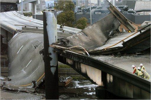 Oakland highway overpass collapse.jpg