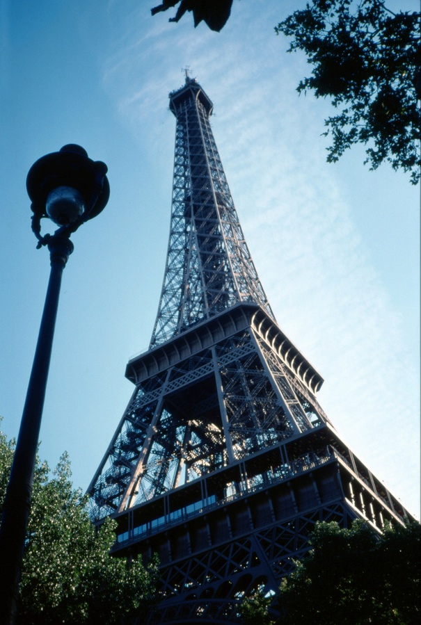 https://www.metabunk.org/sk/0460_Paris_-_Tour_Eiffel_%7C_Flickr_-_Photo_Sharing%21-20131007-103515.jpg