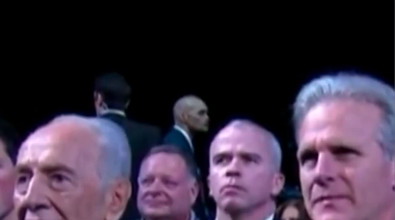 Debunked obama 39 s reptilian secret service spotted at aipac metabunk - Shape shifting house ...